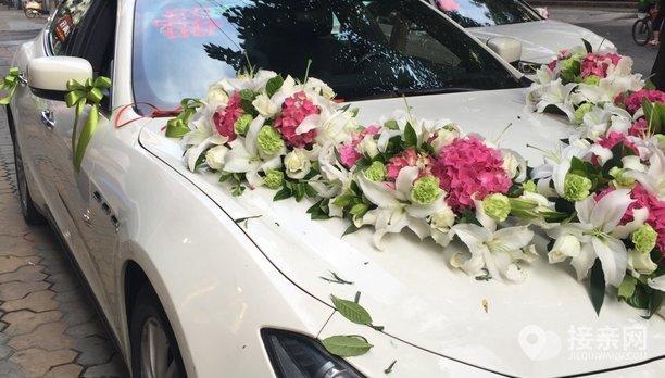 套餐玛莎拉蒂Ghibli+5辆宝马3系婚车