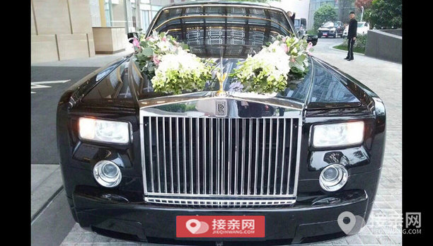 套餐劳斯莱斯幻影+30辆奔驰S级婚车