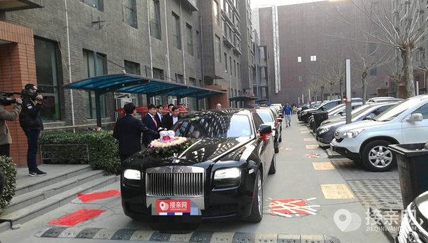 套餐劳斯莱斯古思特+17辆奔驰S级婚车