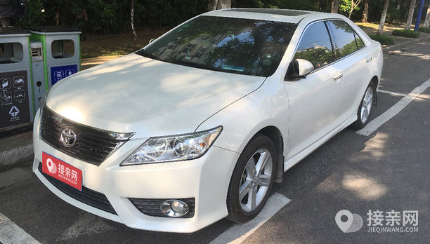 丰田凯美瑞婚车