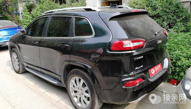 Jeep自由光婚车