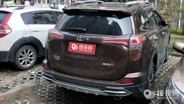丰田RAV4婚车