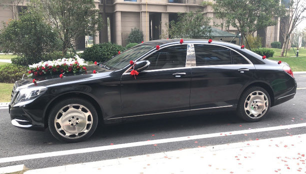 奔驰S级婚车