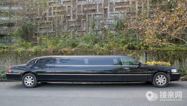 套餐林肯城市+30辆奥迪A6L婚车