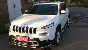Jeep自由光婚车 (白色)