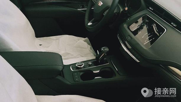凯迪拉克XT4婚车