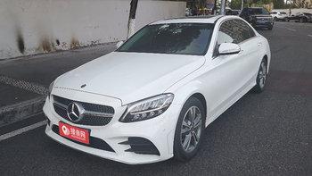 在重庆租一辆奔驰C级婚车贵不贵