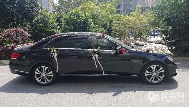 套餐奔驰E级+8辆大众帕萨特婚车