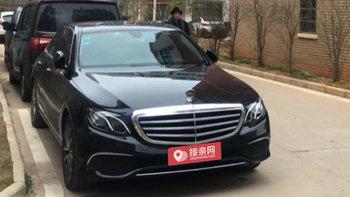 奔驰E级婚车 (黑色)